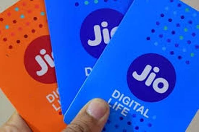 Jio Offering Cashback Up to Rs 99 On Recharge Done Via Amazon Pay, Paytm and Flipkart Phonepe.